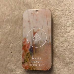 Maskcara NWT White Peach Highlight